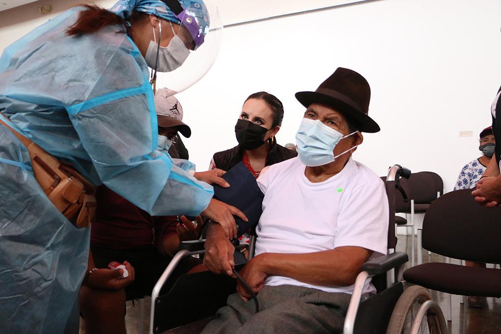 Jornada de vacunación contra la covid-19, continúa en la provincia